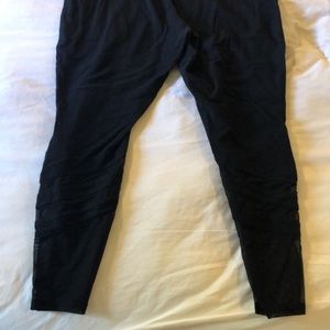 Black XXL Mossimo capris with soft mesh detail